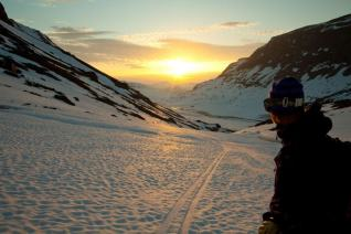 riksgransen-midnight-sun-credit-mark-borland.jpg