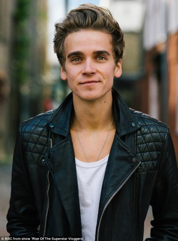 30C727FE00000578-3423200-Joe_Sugg_Zoe_s_brother_is_also_a_successful_vlogger_but_said_he_-m-3_1454334778267.jpg
