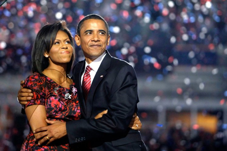 barack-obama-michelle-obama-love-story-romance-photos-08.jpg