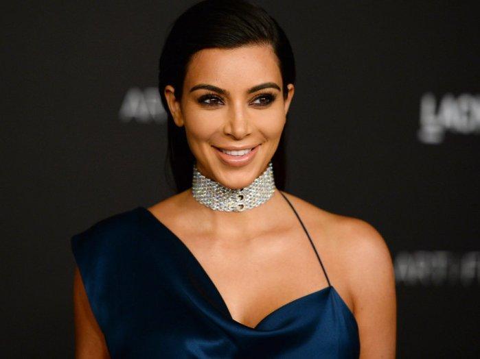 Kim Kardashian-8b12194250ba930485f40c0d56b0176b5f26440d-s900-c85.jpg