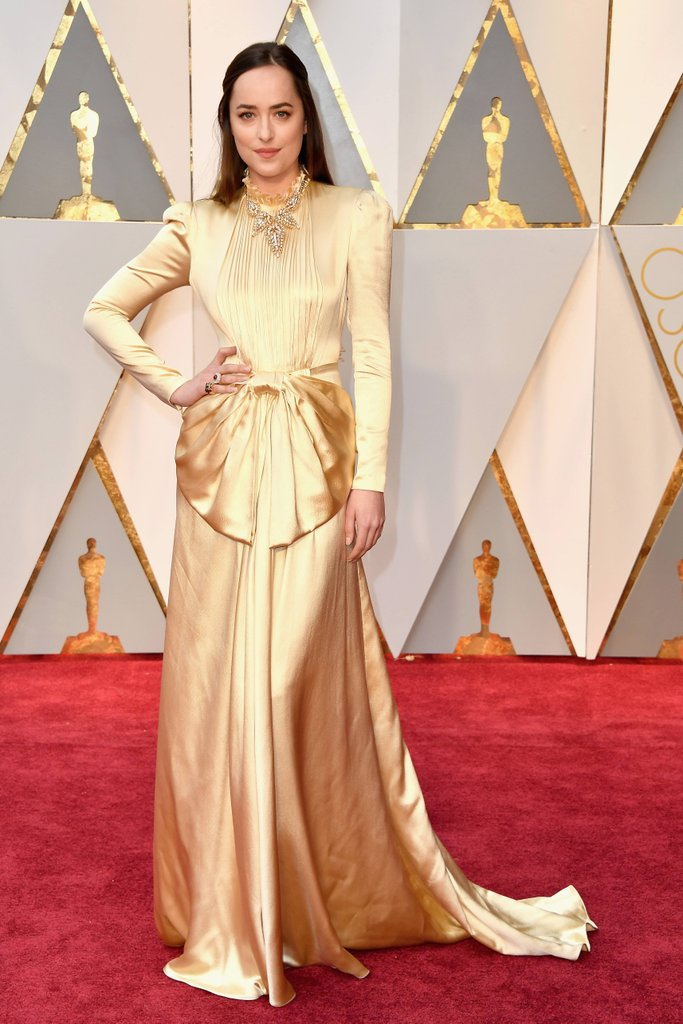 Dakota-Johnson-Wearing-Gucci-2017-Oscars.jpg