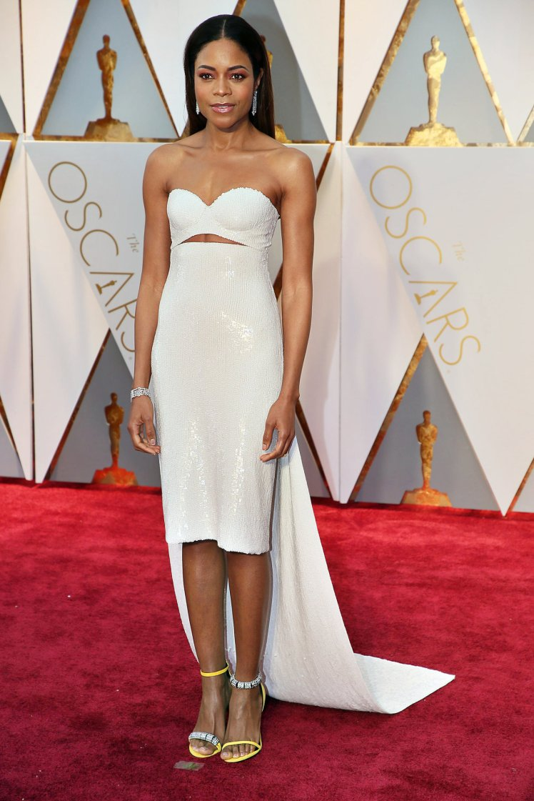 oscars-red-carpet-2011-naomie-harris-superJumbo-v3.jpg